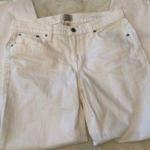 J.Crew White Slim Broken In Boyfriend jeans 👖🌟